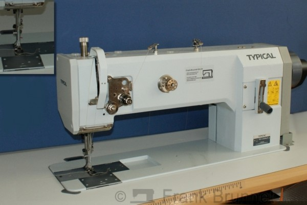 Typical 1245 HL14 Ledermaschine Polstermaschine Gebraucht. 220 Volt Stopmotor, komplett montiert und