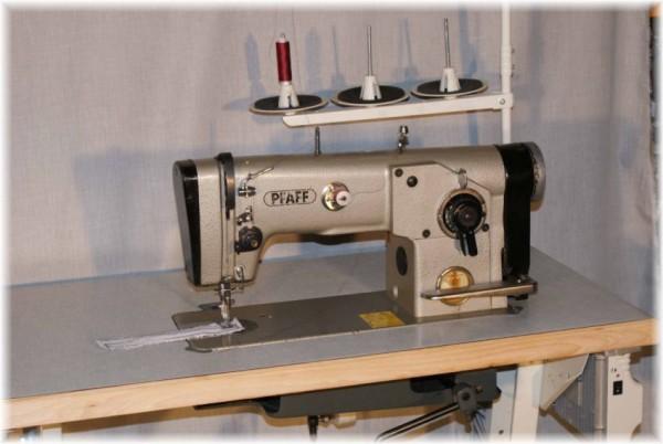 Zick Zack Industrieaehmaschine Pfaff Kl-438 gebraucht