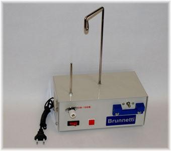 Elektr.Tischspuler für gängigen Nähmaschinenspulen II